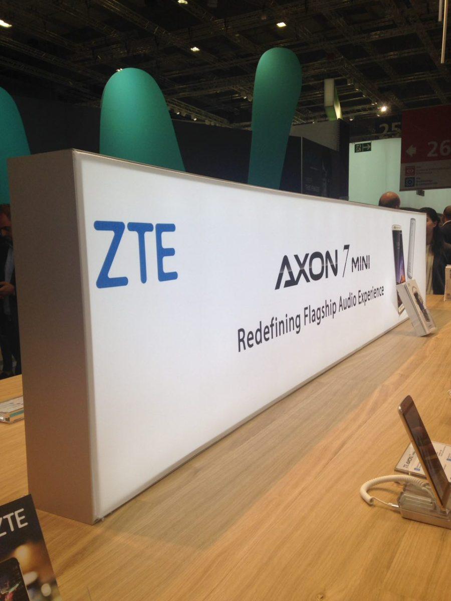 ZTE presenta ad IFA il nuovo Axon 7 Mini
