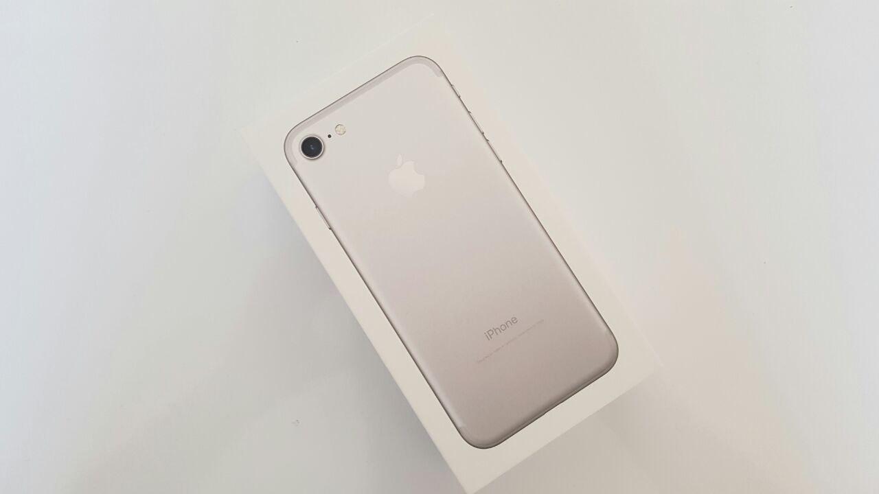 iPhone 7 | Unboxing & prime impressioni di Spazio iTech